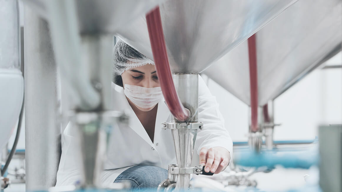 sterile worker in food manufacturing plant